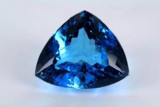 Il topazio, una pietra preziosa particolare