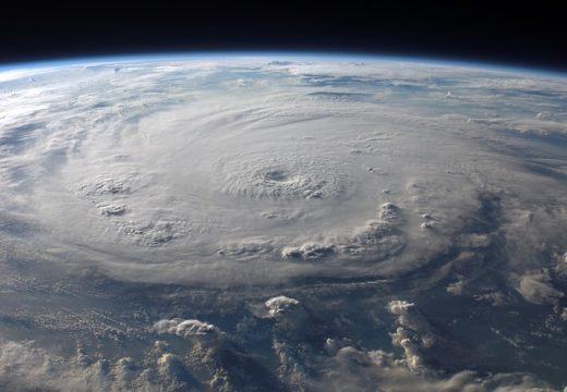 Uragani, cicloni, monsoni, tifoni e tornado. Che differenza c'è.