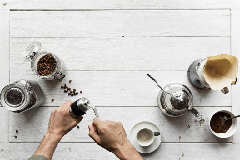 5 motivi per bere caffè al mattino e in ufficio